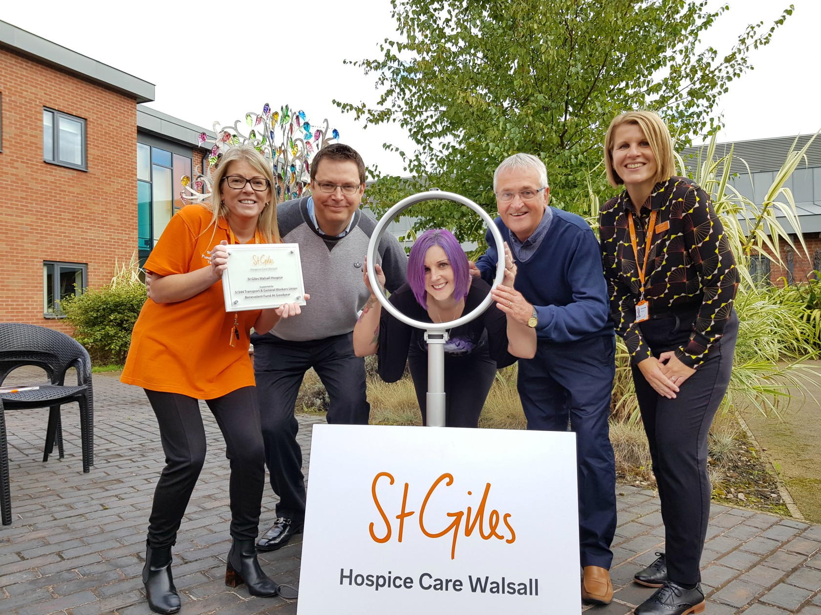 Union thanks St Giles Hospice 'angels' with £44,700 donation in memory of Willenhall Dad