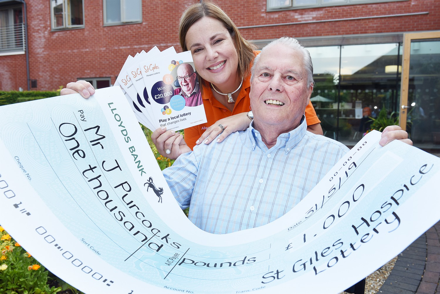 Pensioner hits £1,000 jackpot in St Giles Hospice Lottery draw