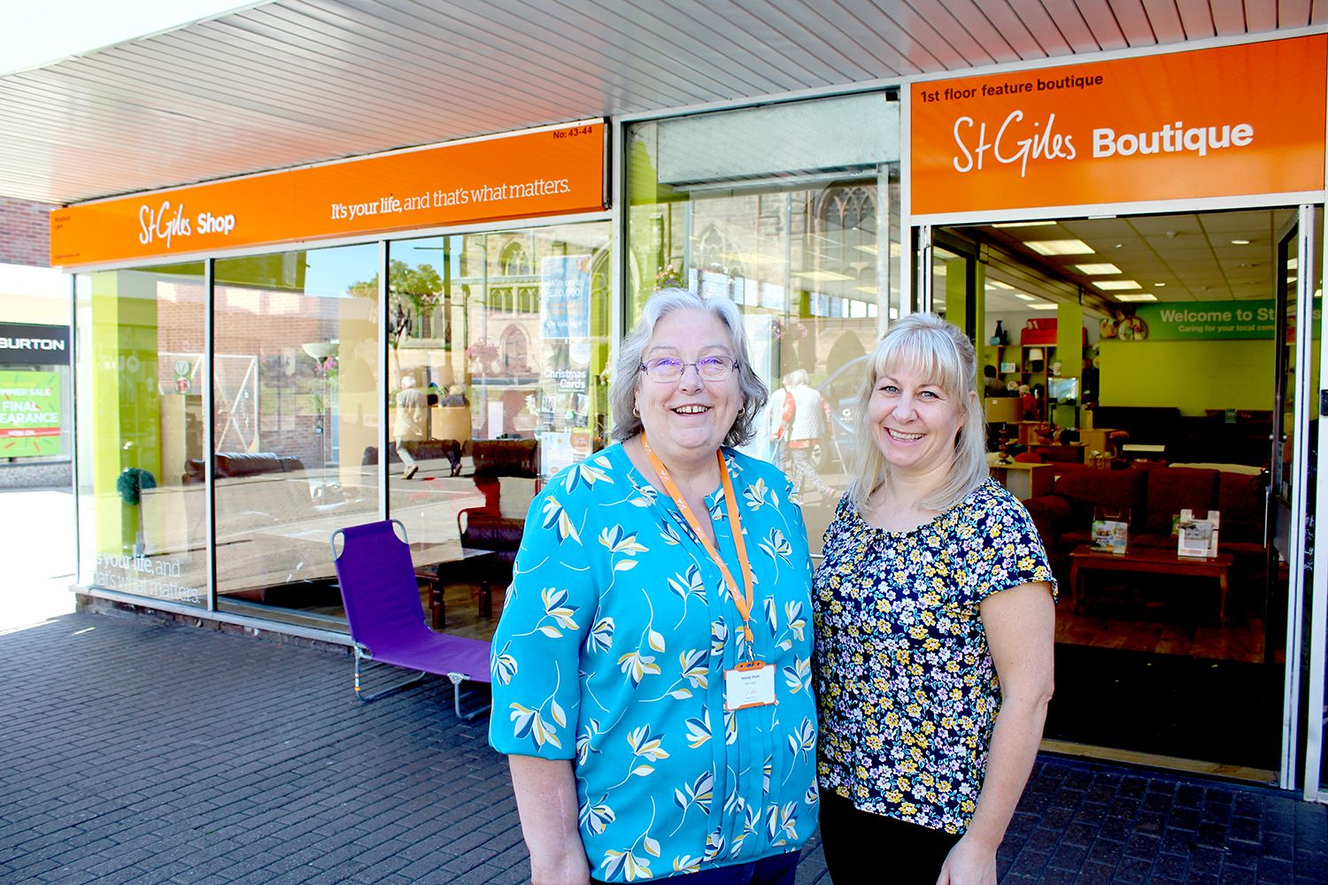 Grateful family of St Giles patient donates furniture to support hospice care