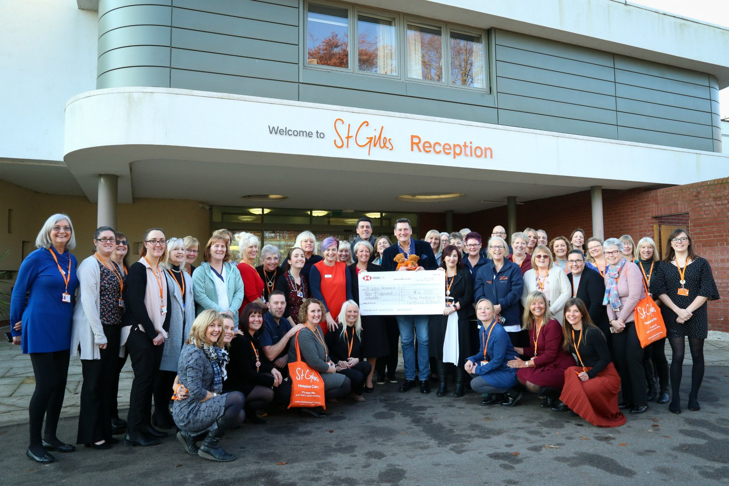 Music star Tony Hadley's visit is pure 'Gold!' for everyone at St Giles Hospice