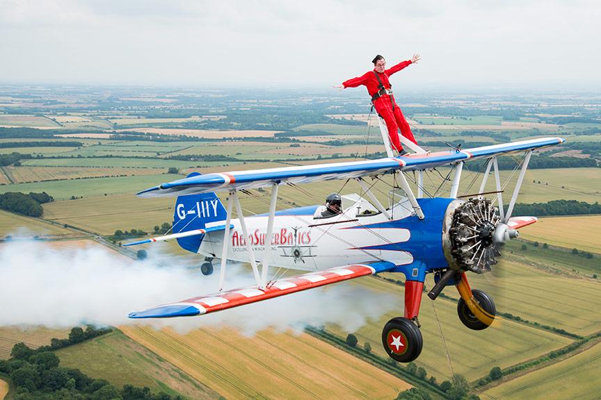 Daredevils to take on wing walking challenge